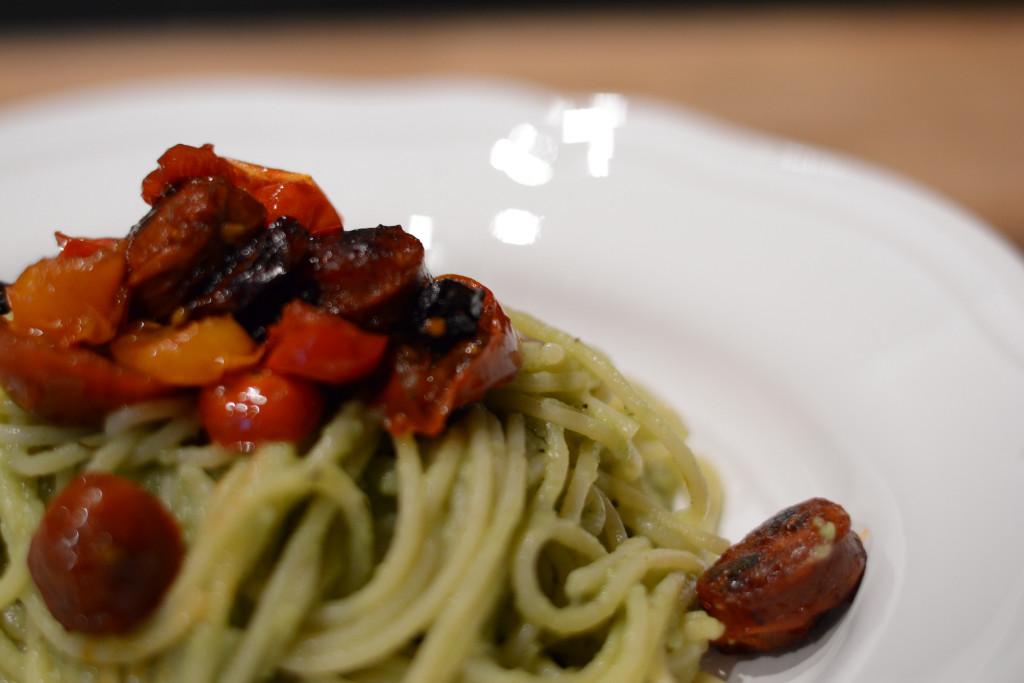 Pasta mit Avocado Pesto