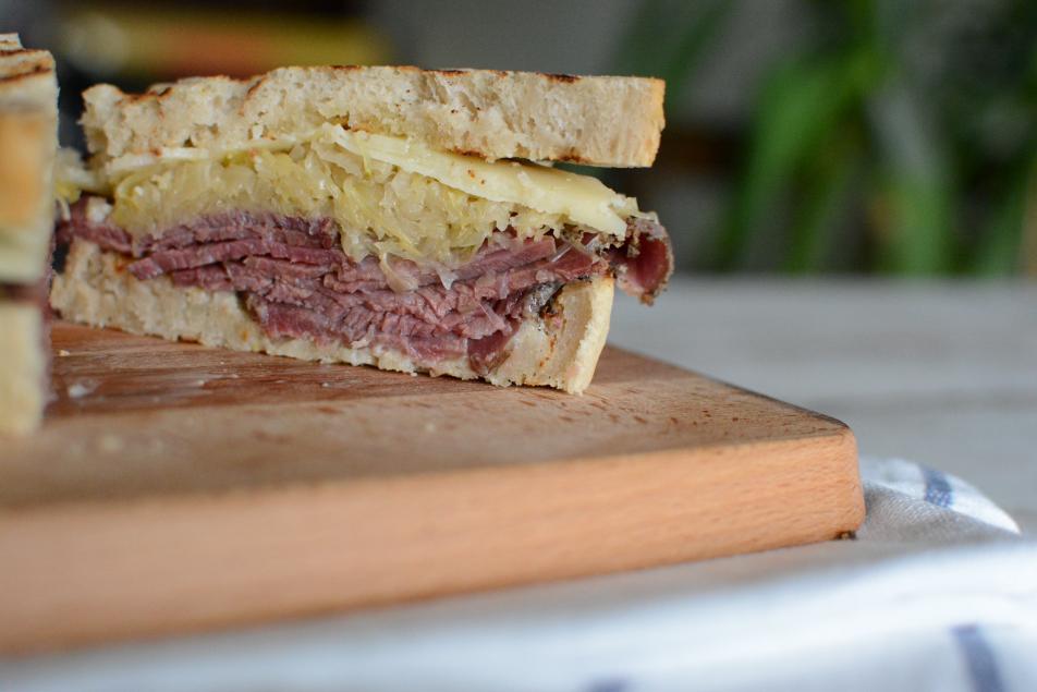 Pastrami Sandwich nach Reuben-Art