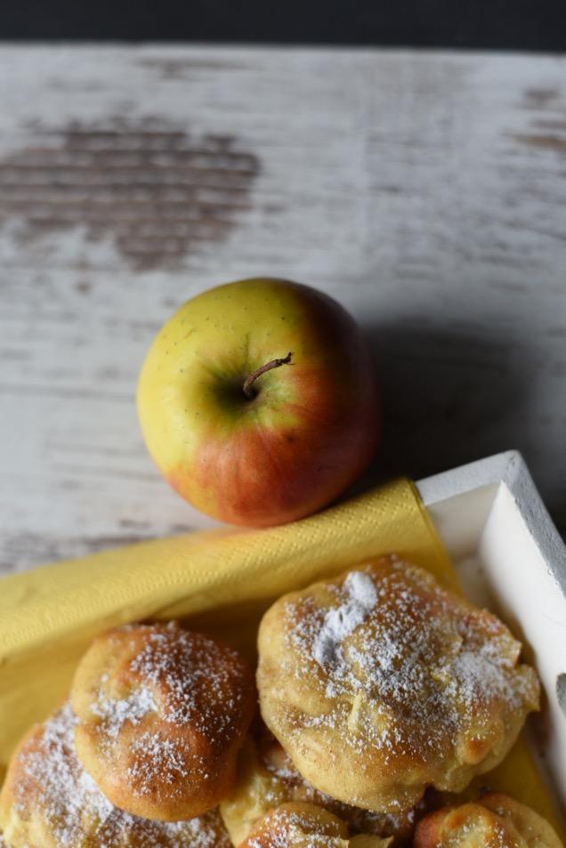 Saftige Apfelkrapfen