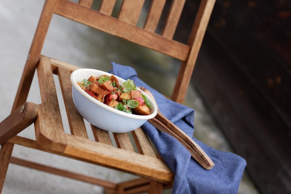 Panzanelle mit Tomaten