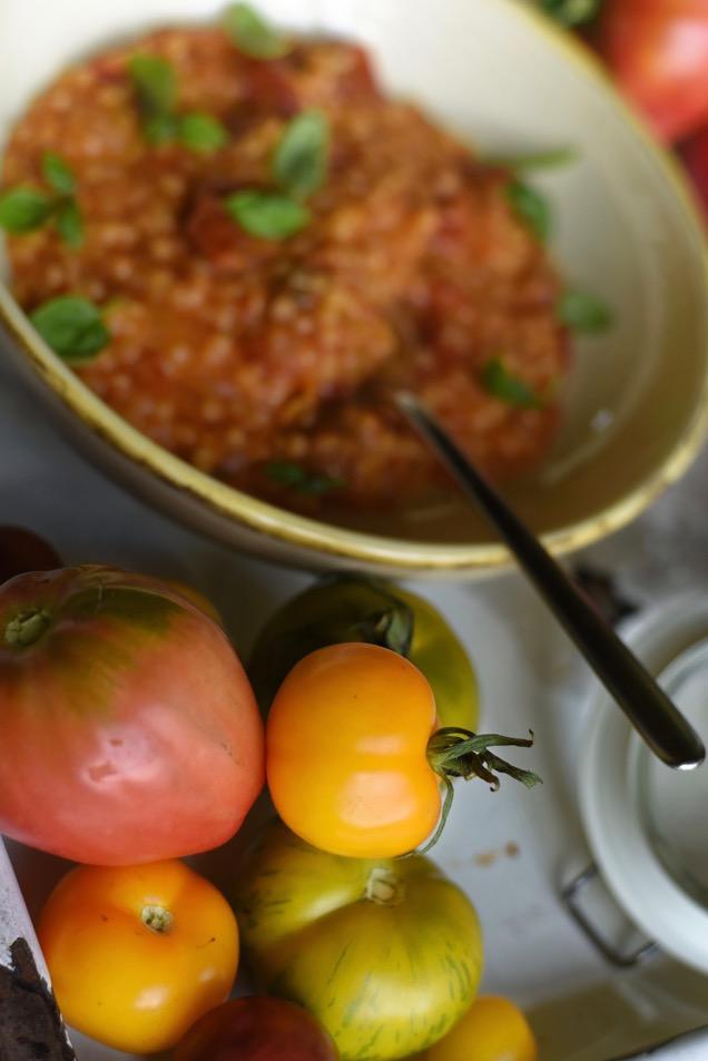 Pastasotto mit Tomaten aus dem Ofen