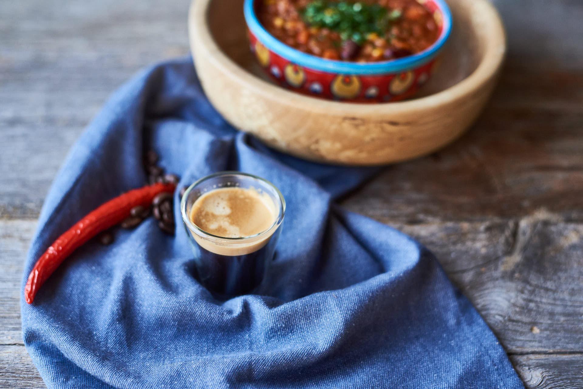 Chili mit Linsen und Kaffee